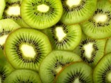 Find out the benefits of eating a kiwi every day, why it is considered an antioxidant and get some great smoothie recipes for kiwi.