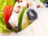 There are a number of healthy lunch ideas that can be packed easily, such as whole wheat pita pockets with hummus, cucumber and grape tomato slices.